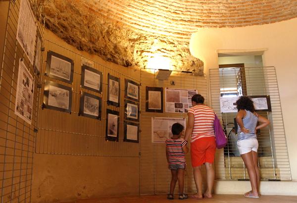 Mil personas disfrutan de la Jornada de Historia de Balerma celebrada en la Torre Fortificada