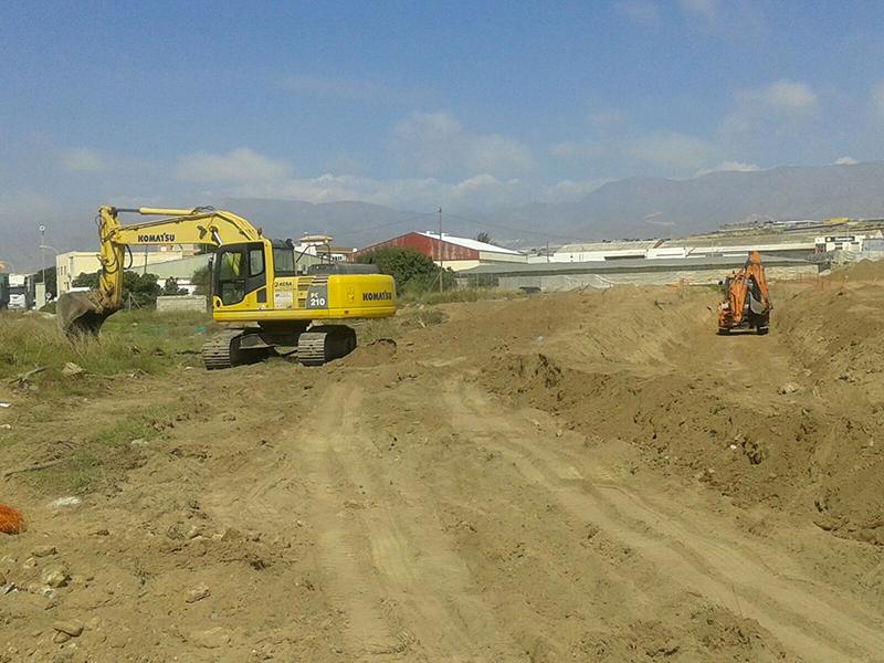 Trabajos desvio de pluviales en Balerma
